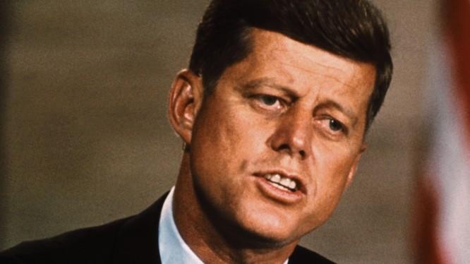 Điệp viên GRU Nga đã tiếp cận được với em trai tổng thống Mỹ Kennedy