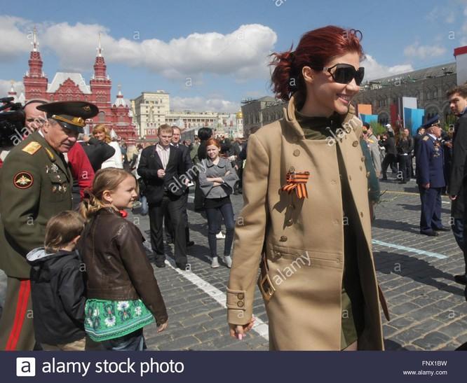 Nữ điệp viên Nga Anna Chapman trên Quảng trường Đỏ