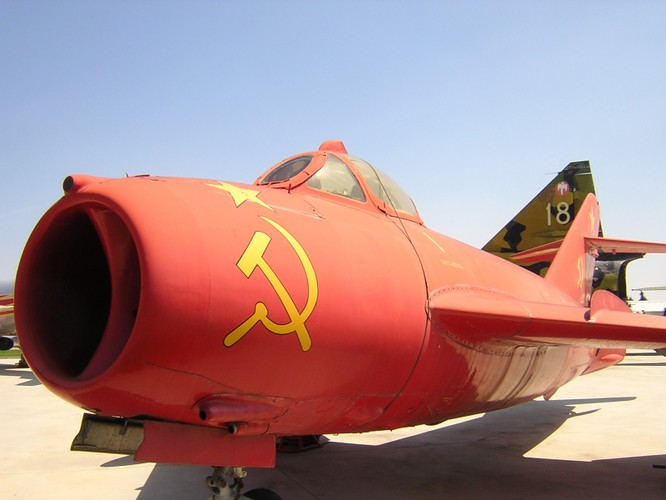 Máy bay chiến đấu Mig-17 do Liên Xô sản xuất