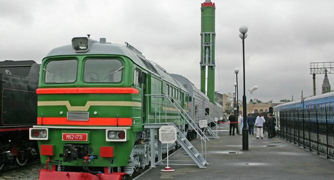 Nga đã khôi phục lại hoạt động của đoàn tàu hạt nhân trong bối cảnh căng thẳng với Mỹ-NATO gia tăng