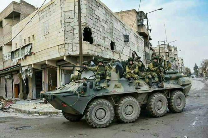 Binh sĩ Nga làm nhiệm vụ tại Aleppo sau khi hoàn toàn giải phóng