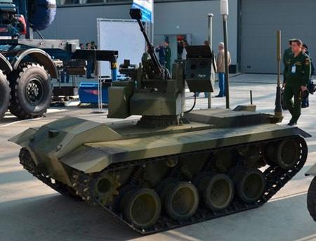 Một robot chiến đấu của Nga