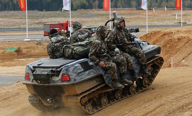 Robot Nga có thể chở binh lính trên chiến trường