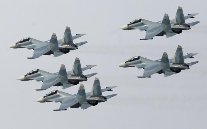 Phi đội không quân Nga diễn tập