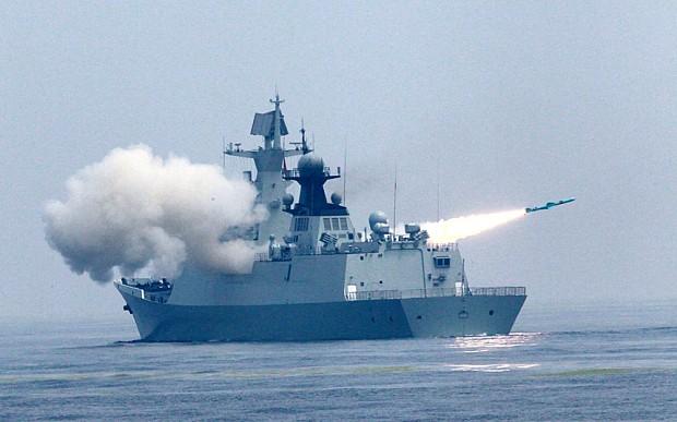 Chiến hạm Trung Quốc khai hỏa bắn đạn thật trong cuộc tập trận trên biển