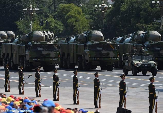 Tên lửa đạn đạo DF-21 của Trung Quốc