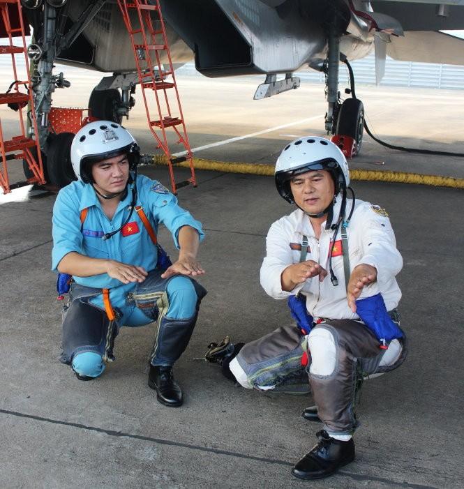 Phi công lái Su-30MK2 của Không quân Nhân dân Việt Nam
