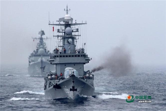 Chiến hạm hải quân Trung Quốc khai hỏa trong cuộc tập trận trên biển
