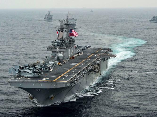 Tàu đổ bộ cỡ lớn USS Boxer của Mỹ tuần tra ở Biển Đông