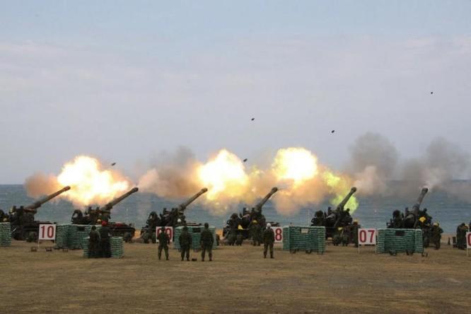 Pháo binh Đài Loan tập trận chống đổ bộ