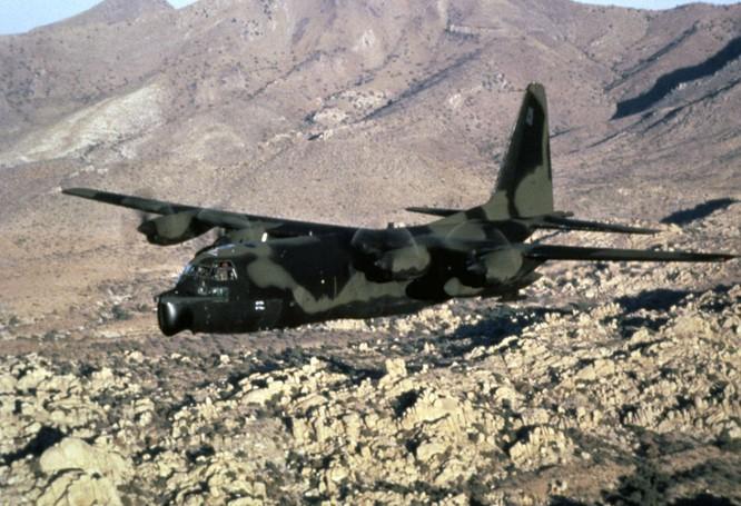 Đặc nhiệm Mỹ cũng sử dụng loại phi cơ CC-130E trong các chiến dịch bí mật