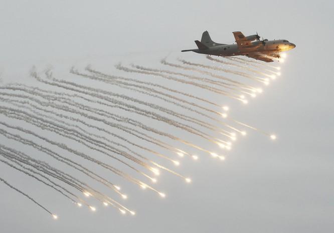 Máy bay săn ngầm trình diễn trong cuộc tập trận hải quân chung Mỹ-Nhật