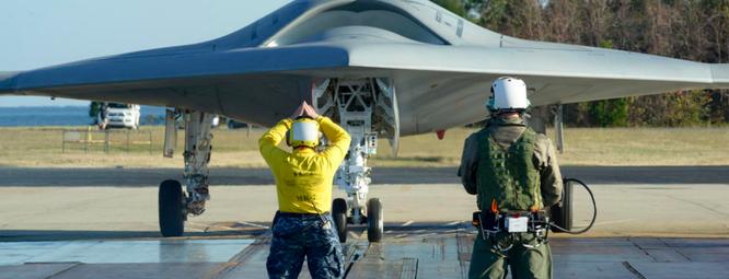 Máy bay tàng hình không người lái X-47B của Mỹ được xem là loại vũ khí trong các cuộc chiến hiện đại
