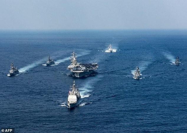 Cụm tác chiến tàu sân bay Carl Vinson của Mỹ đang áp sát bản đảo Triều Tiên