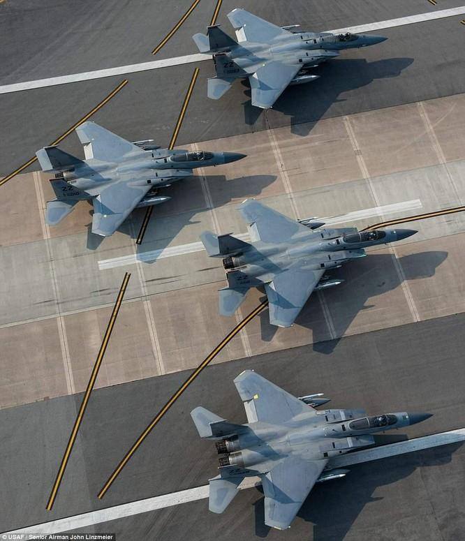 Chiến đấu cơ F-15 Mỹ tại căn cứ Kaneda, Nhật Bản tập trận