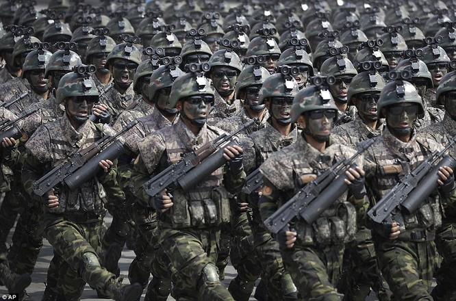 Đặc nhiệm Triều Tiên trong lễ duyệt binh ngày 15/4