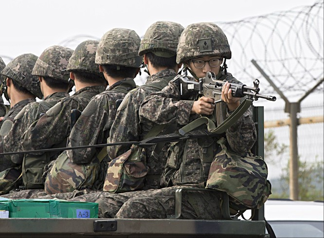 Lính Mỹ và Hàn Quốc trong một cuộc tập trận chung