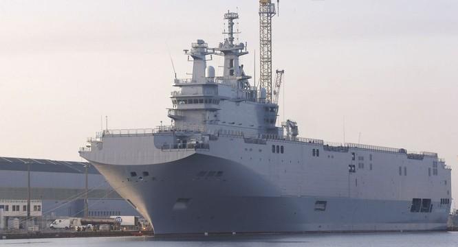 Tàu trực thăng đô bộ Mistral của hải quân Pháp từng thăm cảng Cam Ranh