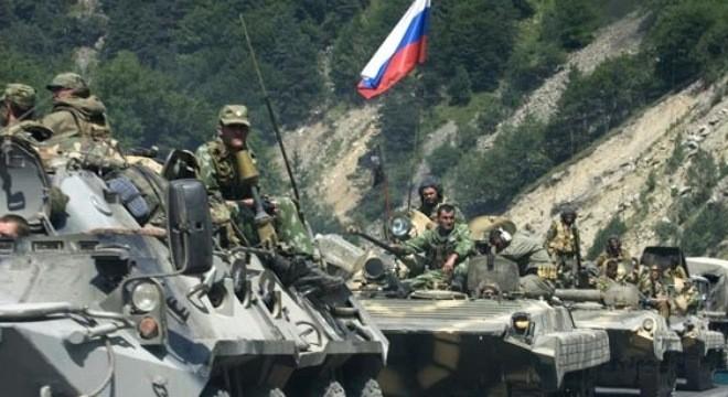 Binh sĩ Nga trong cuộc chiến ngắn ngủi với Goergia năm 2008. Chính những yếu kém bộc lộ qua cuộc chiến này đã thúc đẩy Nga hiện đại hóa quân đội