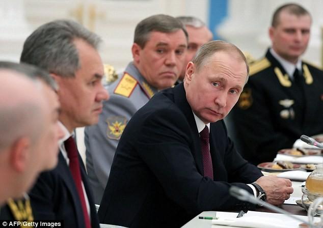 Tổng thống Putin và những cộng sự thân tín nhất đang chèo lái nước Nga qua giai đoạn khó khăn