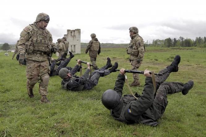 Mỹ huấn luyện quân sự cho quân đội Ukraine