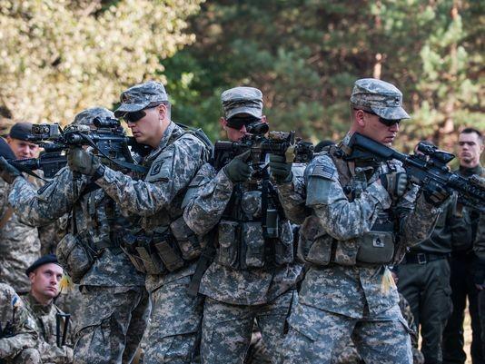 Cố vấn quân sự Mỹ đã huấn luyện binh sĩ Ukraine