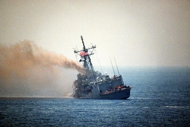 Chiến hạm USS Stark của Mỹ bị tên lửa Exocet của Iraq bắn chìm tháng 5/1987