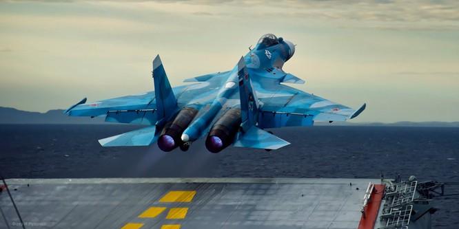 Chiến đấu cơ Su-33 cất cánh từ tàu sân bay Đô đốc Kuznetsov trong thời gian tham chiến tại Syria