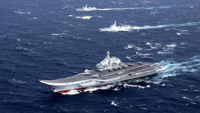 Trung Quốc đang cố gắng xây dựng cụm tác chiến tàu sân bay rập khuôn mô hình Mỹ nhưng tụt hậu về khoảng cách về công nghệ và kinh nghiệm từ hàng chục đến cả trăm năm