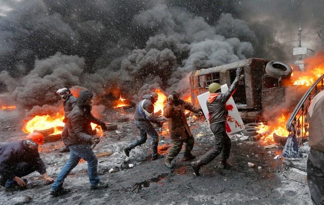 Phong trào Maidan đã gây ra cuộc lật đổ chính trị và khủng hoảng ở Ukraine