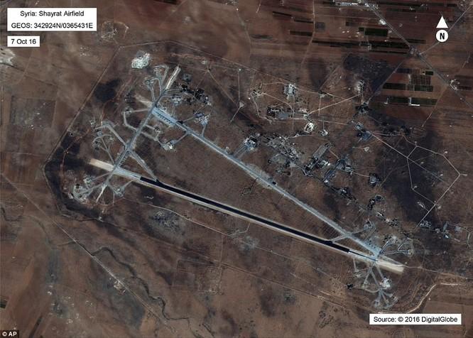 Sân bay ở Homs, Syria bị Mỹ tấn công tên lửa hôm 6/4