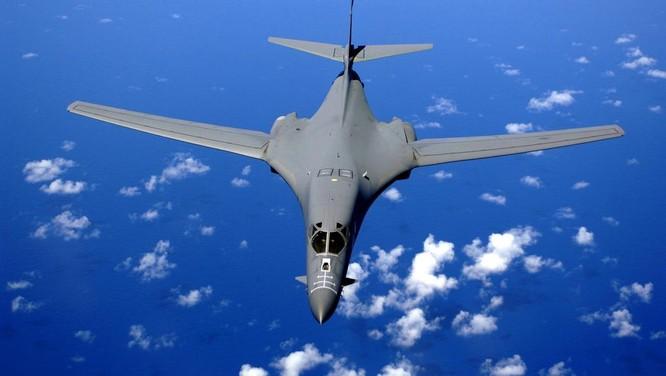 Máy bay ném bom chiến lược tầm xa B-1B của Mỹ