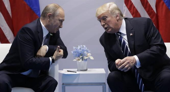 Bất chấp nhiều trở lực, cuộc gặp giữa hai tổng thống Putin và Trump đã diễn ra suôn sẻ