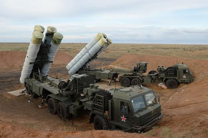 Tổ hợp tên lửa S-400 khét tiếng của Nga đã có mặt tại chiến trường Syria
