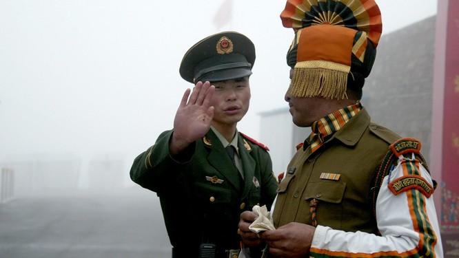 Mặc dù vậy, hai thành viên BRICS là Trung Quốc và Ấn Độ vẫn căng thẳng biên giới với nhau