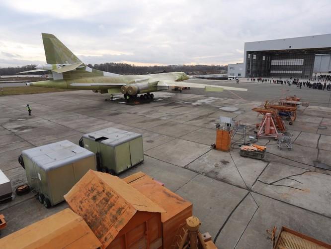 """Thiên nga trắng Tu-160M2 Nga """"lột xác"""" thành cỗ máy hủy diệt mới ảnh 4"""