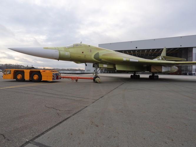 """Thiên nga trắng Tu-160M2 Nga """"lột xác"""" thành cỗ máy hủy diệt mới ảnh 5"""