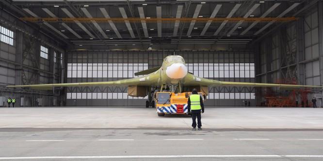 """Thiên nga trắng Tu-160M2 Nga """"lột xác"""" thành cỗ máy hủy diệt mới ảnh 1"""
