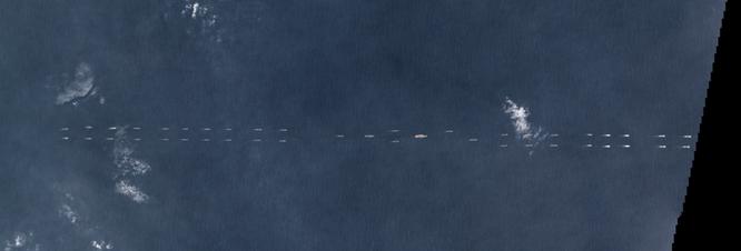 Hạm đội khủng bao gồm tàu sân bay Liêu Ninh và 40 chiến rầm rộ kéo xuống Biển Đông tập trận
