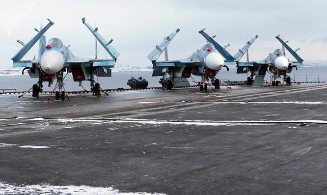 Máy bay chiến đấu Su-33