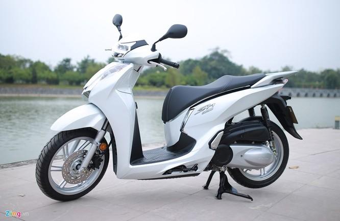 Cận cảnh Honda SH 300i ABS giá 248 triệu vừa ra mắt ở Việt Nam ảnh 1