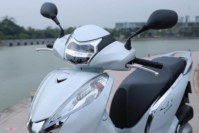 Cận cảnh Honda SH 300i ABS giá 248 triệu vừa ra mắt ở Việt Nam ảnh 2