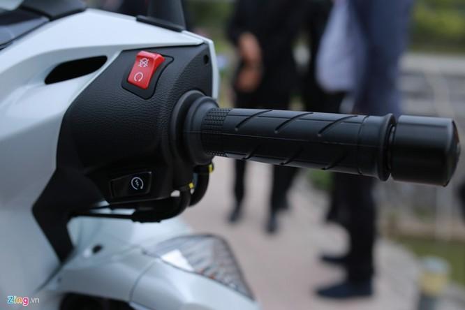 Cận cảnh Honda SH 300i ABS giá 248 triệu vừa ra mắt ở Việt Nam ảnh 5