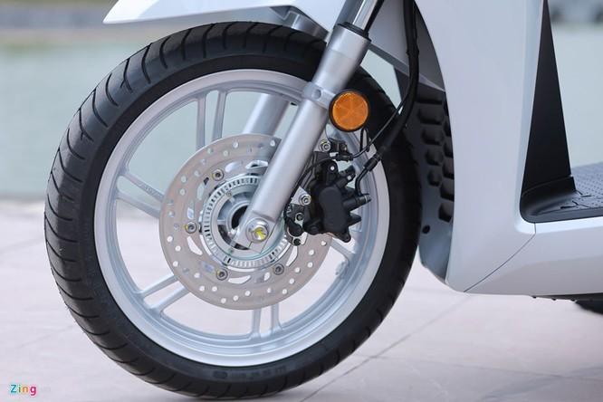 Cận cảnh Honda SH 300i ABS giá 248 triệu vừa ra mắt ở Việt Nam ảnh 7