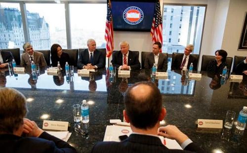 Các lãnh đạo Công nghệ căng thẳng, còn ông Trump thì mỉm cười ảnh 1
