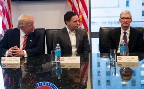 Các lãnh đạo Công nghệ căng thẳng, còn ông Trump thì mỉm cười ảnh 2