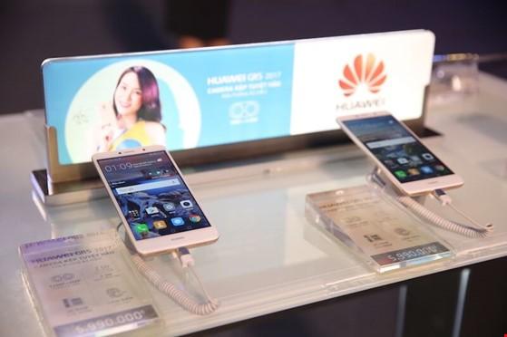 Lộ diện smartphone giá rẻ có camera kép ảnh 2