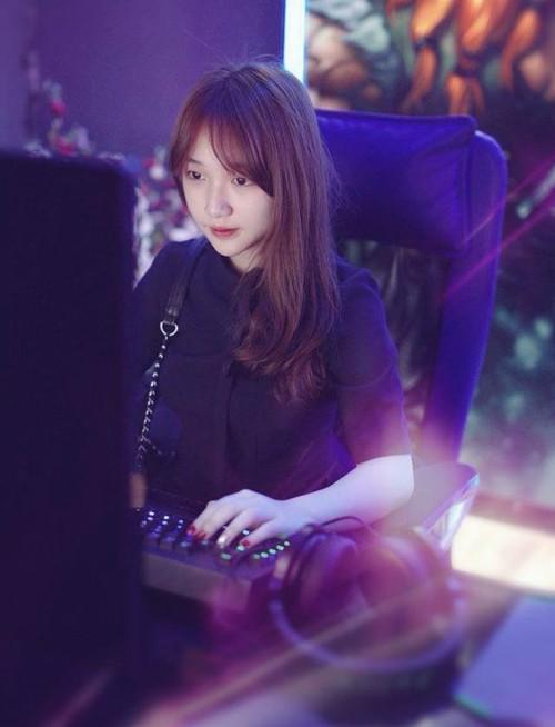 Các nữ game thủ nổi tiếng nhất làng game Việt ảnh 2