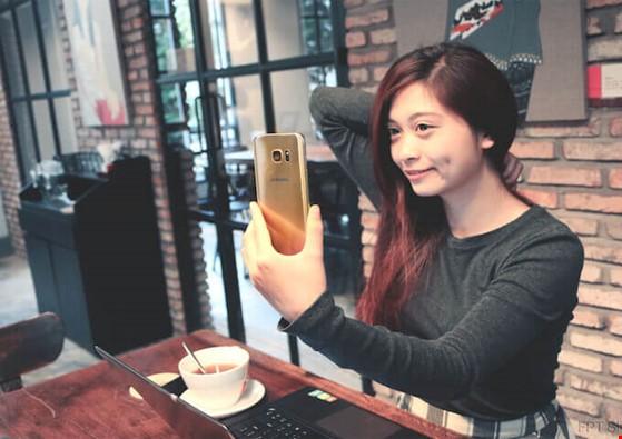 3 mẫu smartphone giảm giá 'sốc' bạn không nên bỏ qua ảnh 2