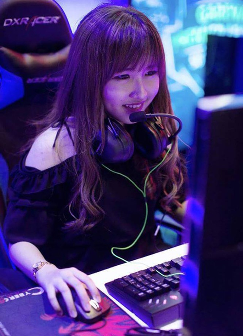 Các nữ game thủ nổi tiếng nhất làng game Việt ảnh 5